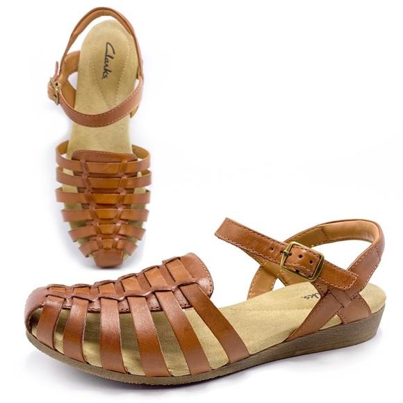 Clarks 8W Wide Closed Toe Woven Huarache Sandals